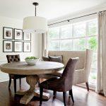 bàn ăn kết hợp ghế sofa ý tưởng hay cho phòng bếp nhỏ
