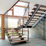 mẫu thiết kế cầu thang đẹp được làm từ gỗ sắt kính inox 13