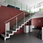 mẫu thiết kế cầu thang đẹp được làm từ gỗ sắt kính inox 17