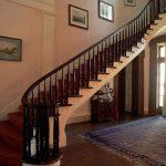 mẫu thiết kế cầu thang đẹp được làm từ gỗ sắt kính inox 18