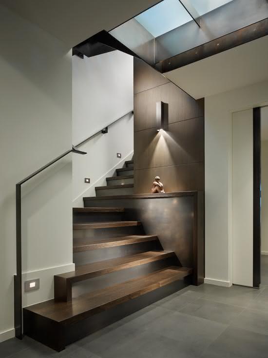 mẫu thiết kế cầu thang gỗ đẹp 12