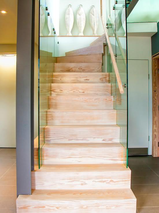 mẫu thiết kế cầu thang gỗ đẹp 16