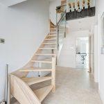 mẫu thiết kế cầu thang gỗ đẹp 18