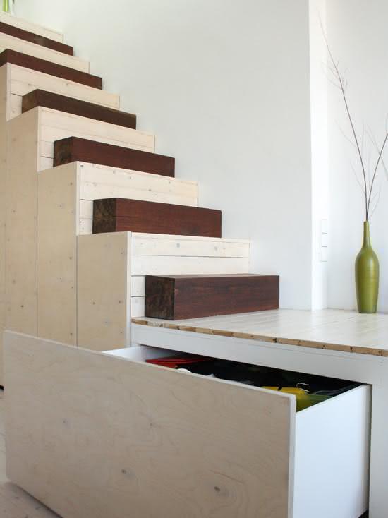 mẫu thiết kế cầu thang gỗ đẹp 19