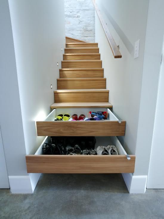 mẫu thiết kế cầu thang gỗ đẹp 21
