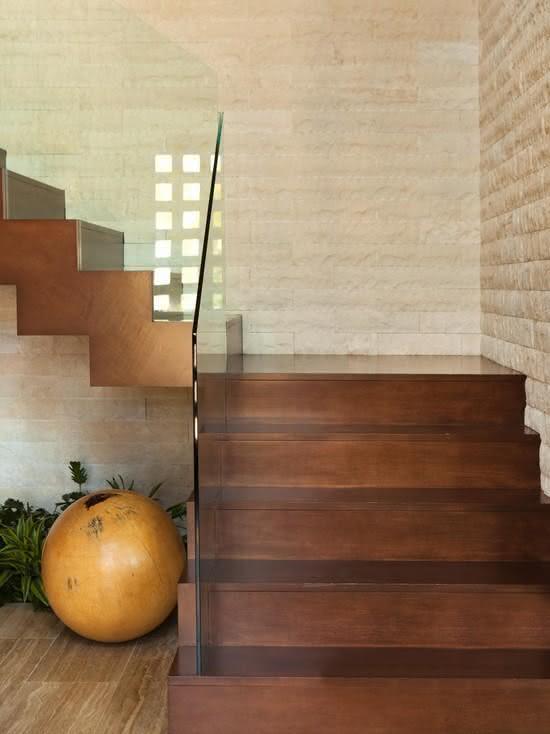 mẫu thiết kế cầu thang gỗ đẹp 26