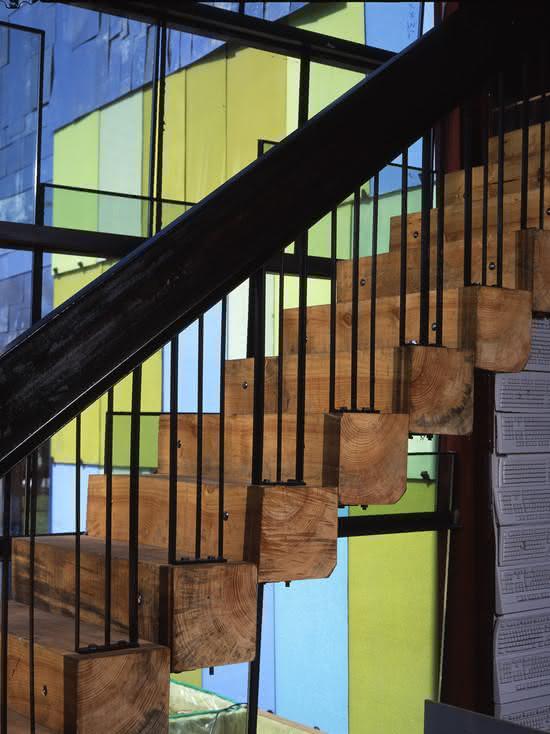 mẫu thiết kế cầu thang gỗ đẹp 31