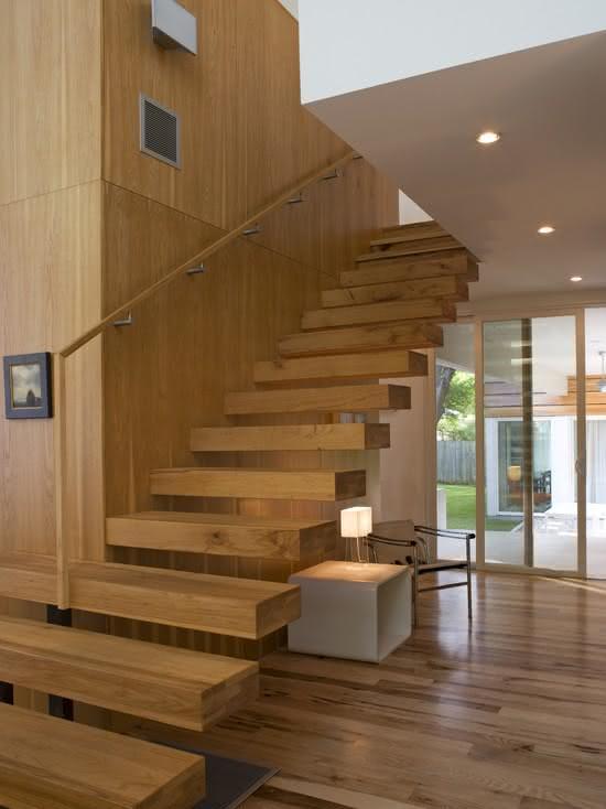 mẫu thiết kế cầu thang gỗ đẹp 35