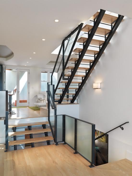 mẫu thiết kế cầu thang gỗ đẹp 46