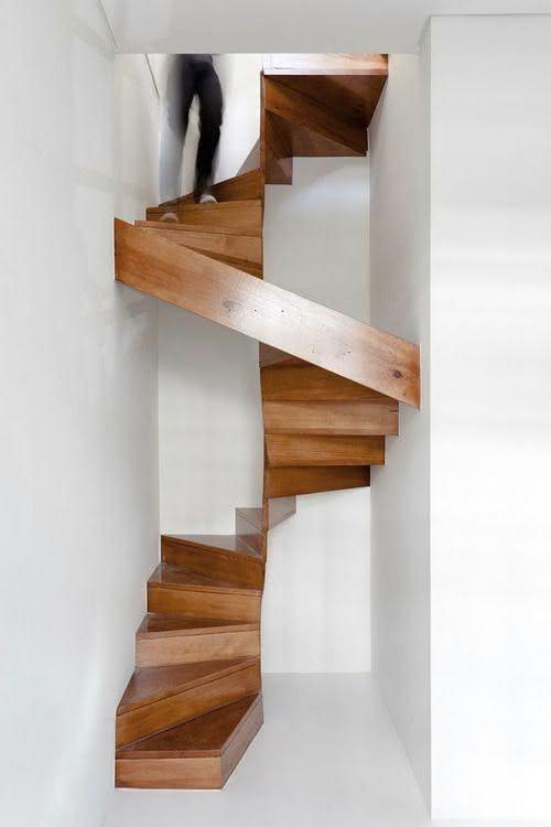 mẫu thiết kế cầu thang gỗ đẹp 62