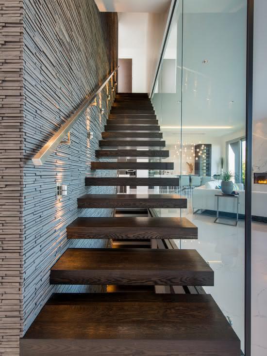mẫu thiết kế cầu thang gỗ đẹp 9