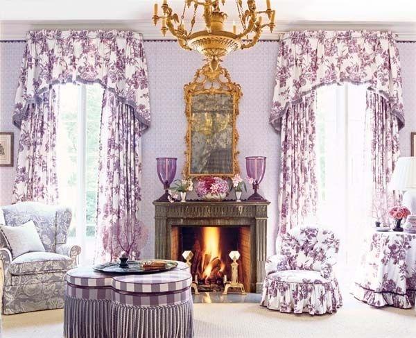 Gam màu tím tạo cho không gian phòng ngủ thêm nhẹ nhàng