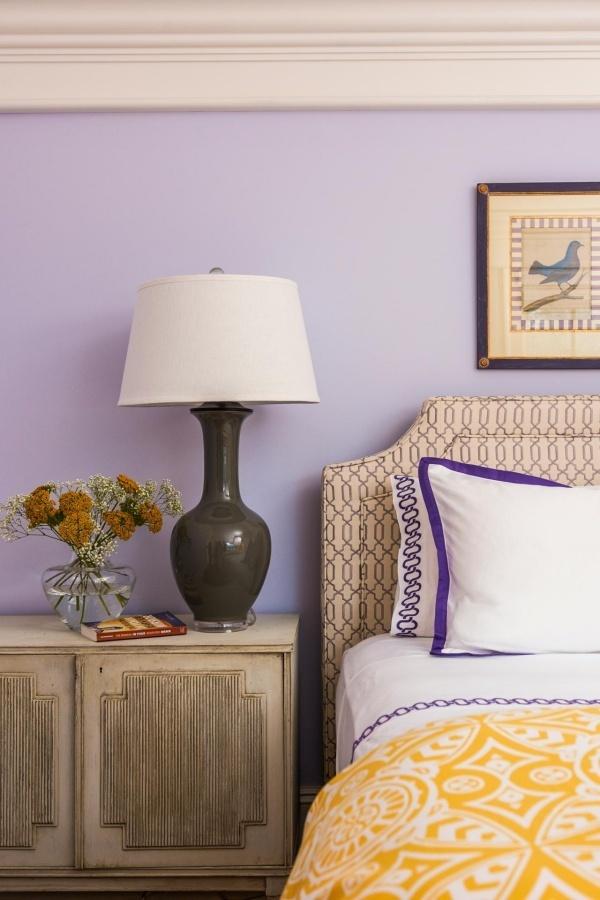 Màu tím hoa oải hương kết hợp với gam màu vàng nhạt