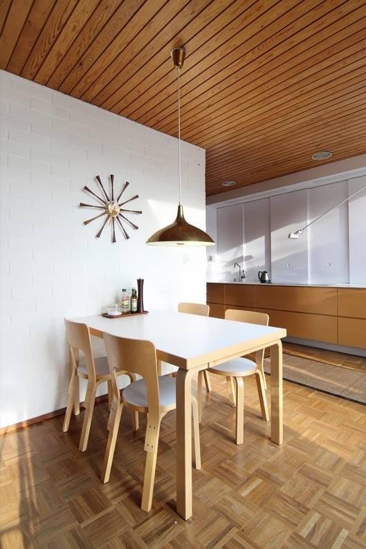 Mẫu bàn ăn đẹp hiện đại đơn giản